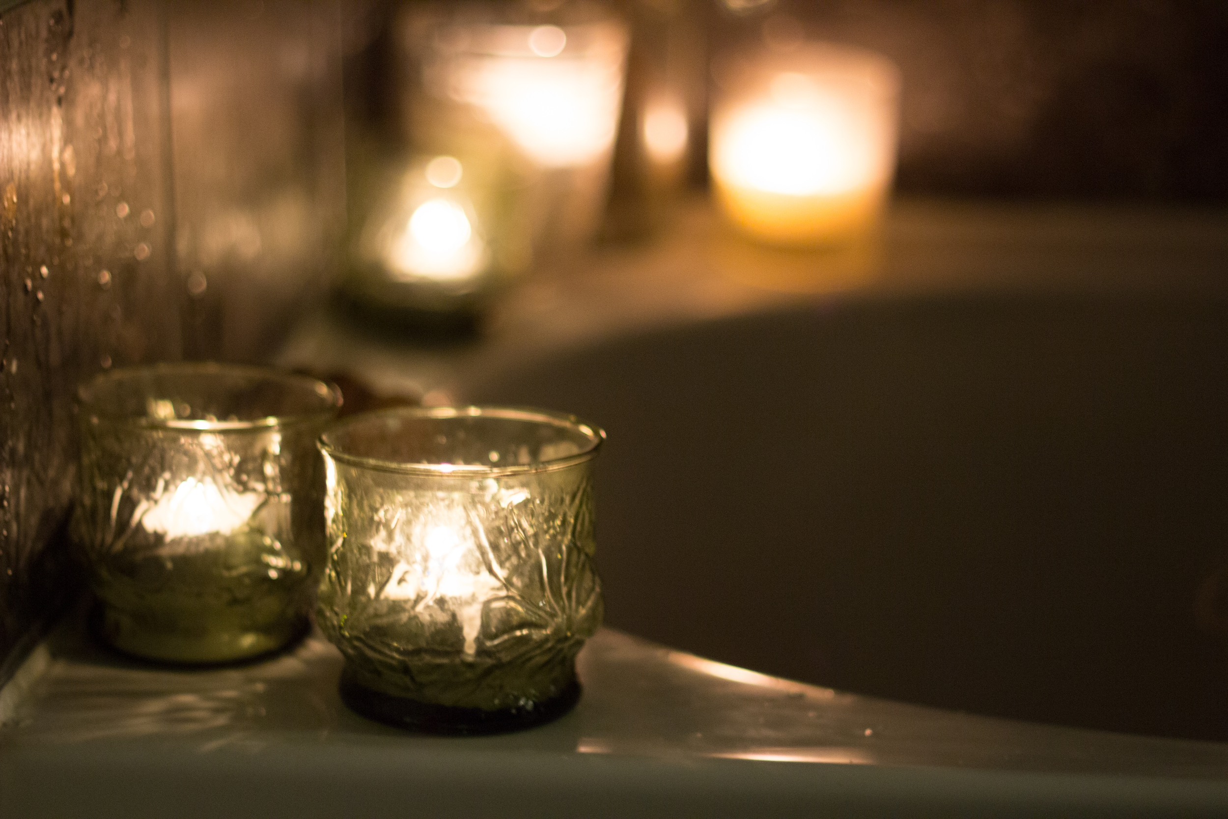 A candle lit bath for yourself | Seeds and Stitches blog.