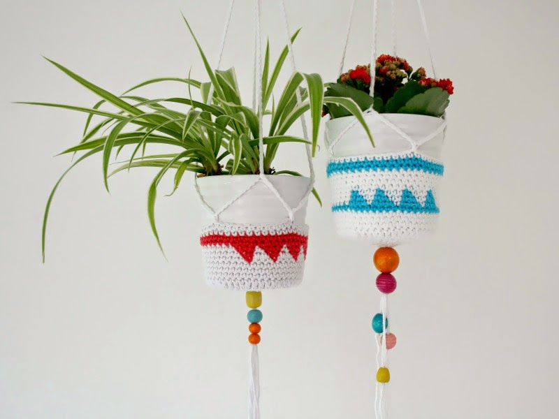 Crochet hangers by The Owl and The Accordian | Seeds and Stitches blog