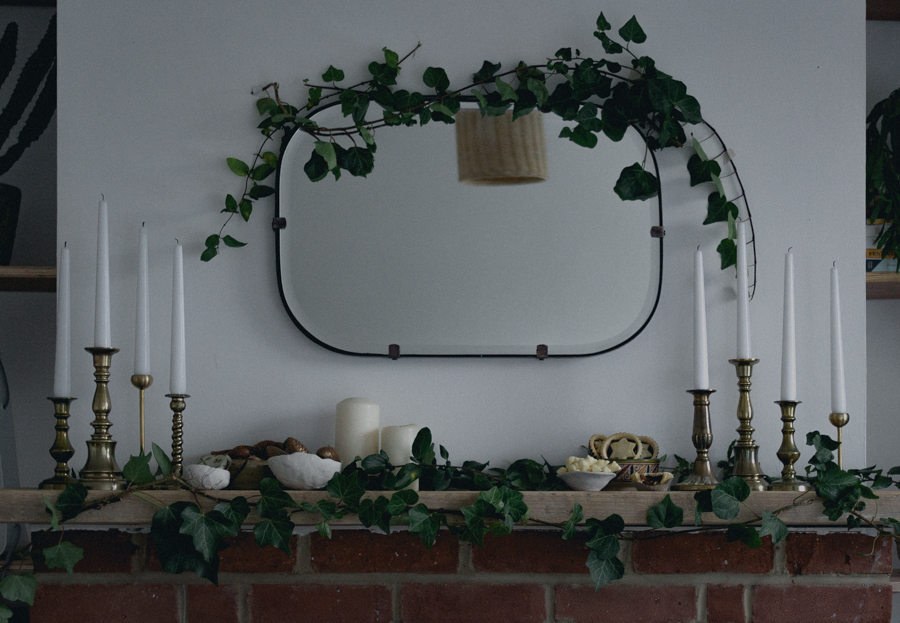 Simple Christmas styling at home | Seeds and Stitches blog