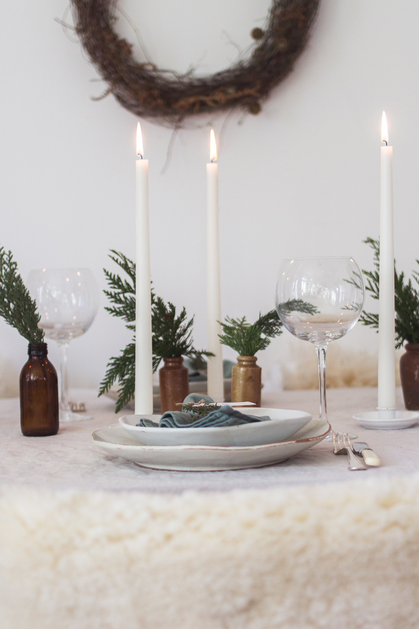 Laying a simple festive table | Seeds and Stitches blog