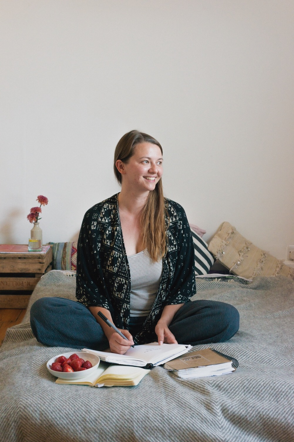 Easing ourselves into September. 7 realistic and totally achievable ideas for self care after a long, hot summer. Hannahbullivant.com