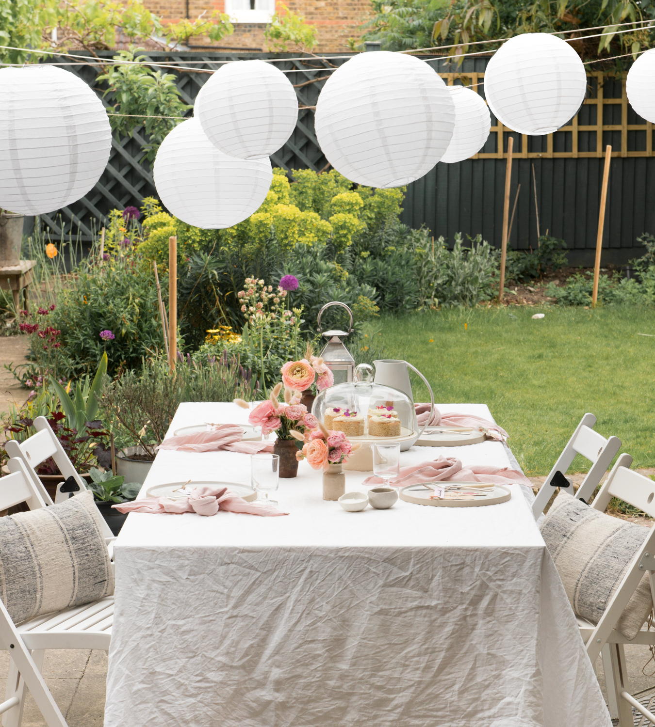 How to lay an outdoor table, white paper lanterns, garden afternoon tea, tips from a stylist, how to style a table, garden afternoon tea