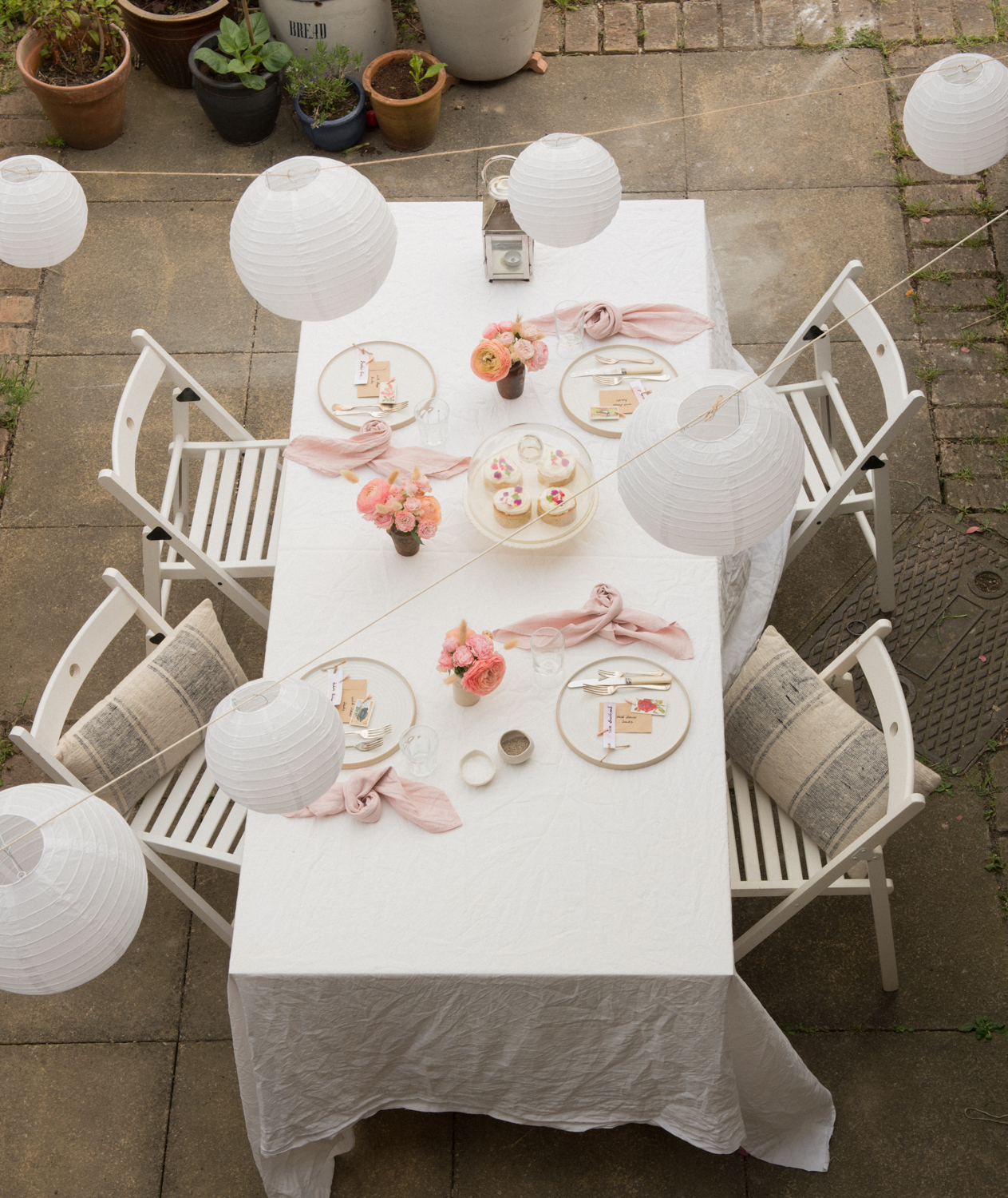 How to lay the table, outdoor afternoon tea, handmade plates, linen, DIY place settings, white paper lanterns