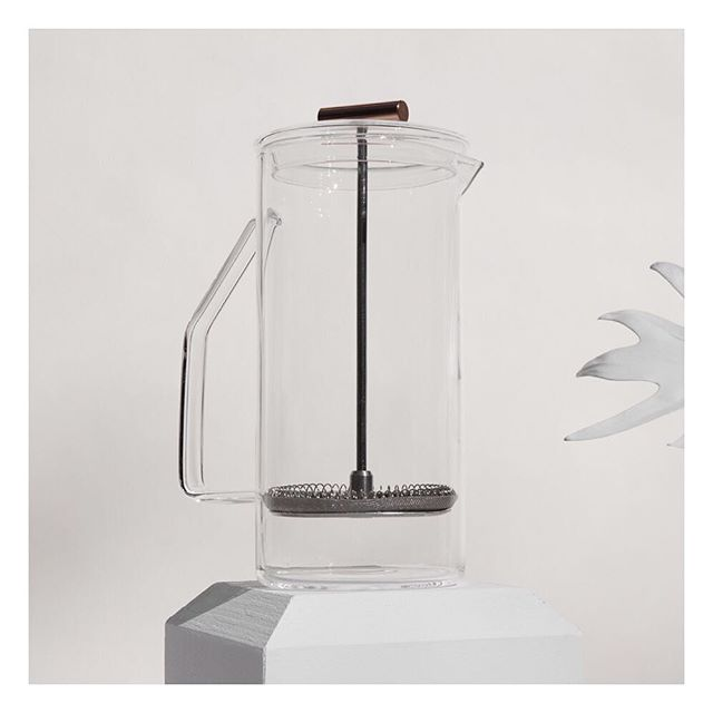 New American standards by independent design studio Yield. Love this Glass French Press which brews a beautifully full-bodied pot of coffee or tea in the traditional French Press method. @yielddesignco #craft #design #homegoods #inspiration