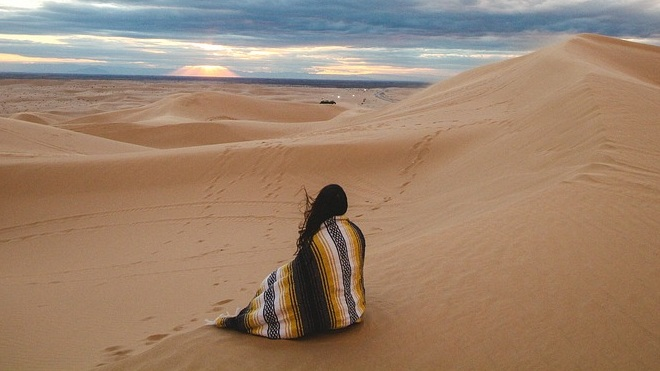 WOMAN-IN-DESERT.jpg