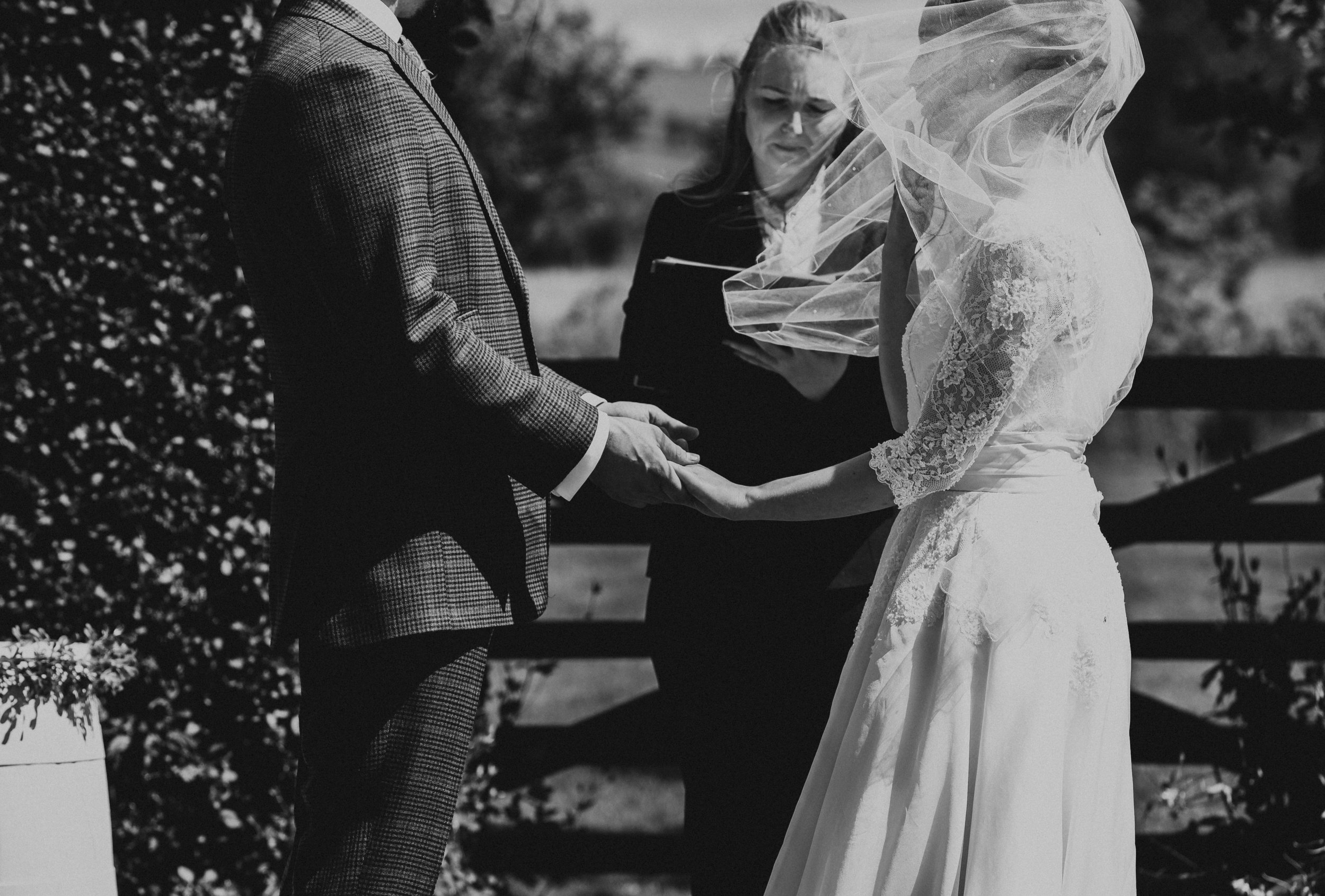 DALDUFF_FARM_COUNTRY_WEDDING_JASMINE_PHIL_PJ_PHILLIPS_PHOTOGRAPHY_25.jpg