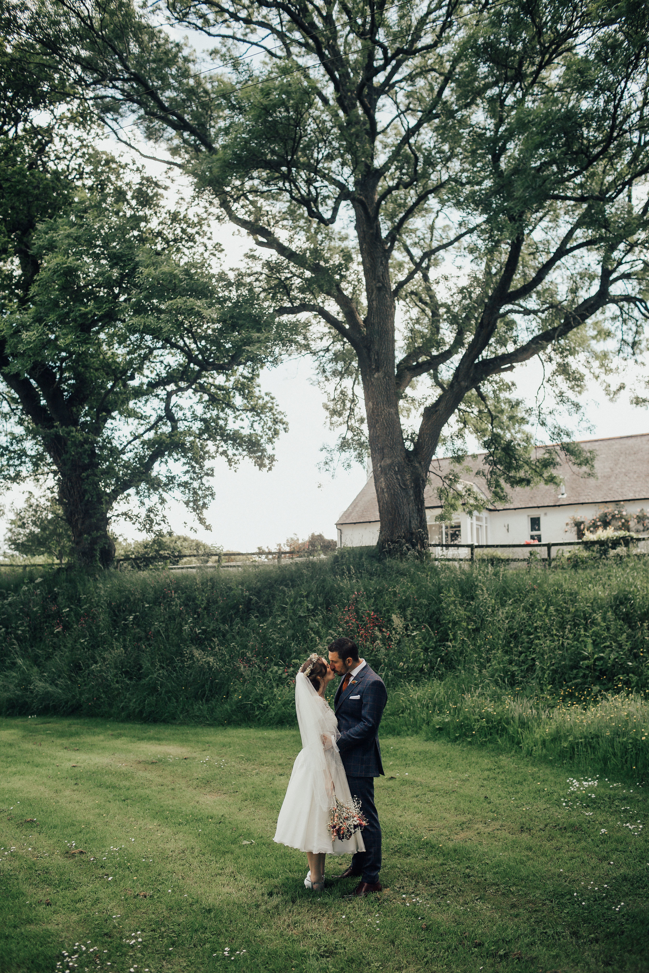 DALDUFF_FARM_COUNTRY_WEDDING_JASMINE_PHIL_PJ_PHILLIPS_PHOTOGRAPHY_70.jpg