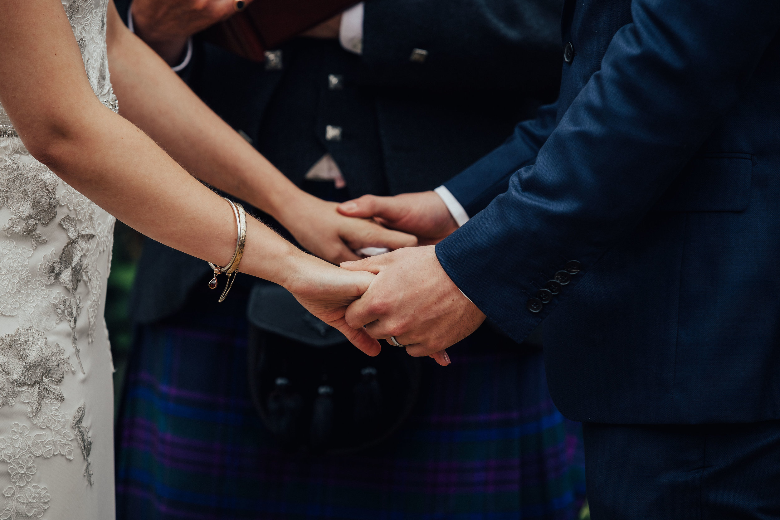 PJ_PHILLIPS_PHOTOGRAPHY_EDINBURGH_WEDDERBURN_BARNS_WEDDING_EDINBURGH_WEDDING_PHOTOGRAPHER_73.jpg