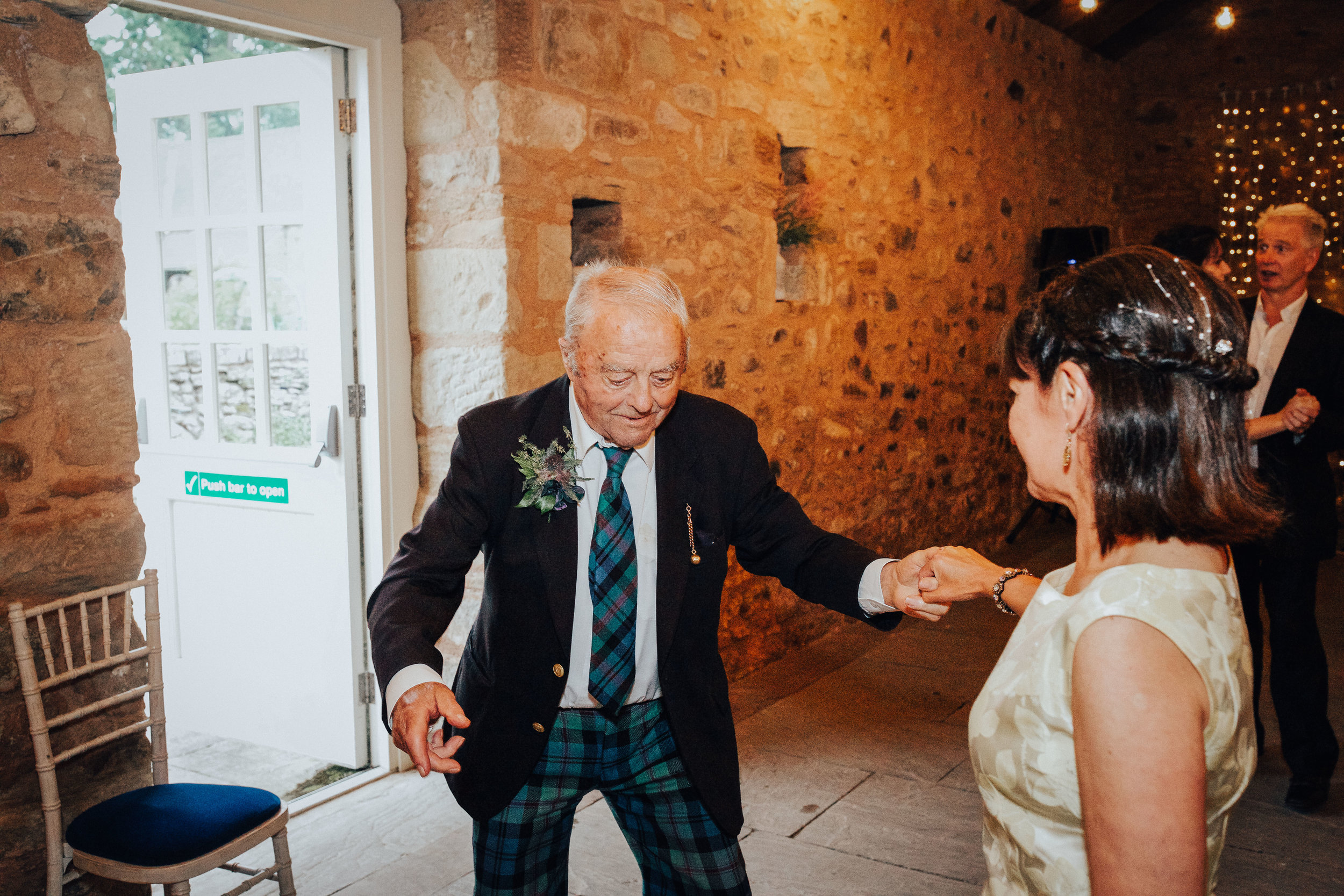 PJ_PHILLIPS_PHOTOGRAPHY_EDINBURGH_WEDDERBURN_BARNS_WEDDING_EDINBURGH_WEDDING_PHOTOGRAPHER_141.jpg