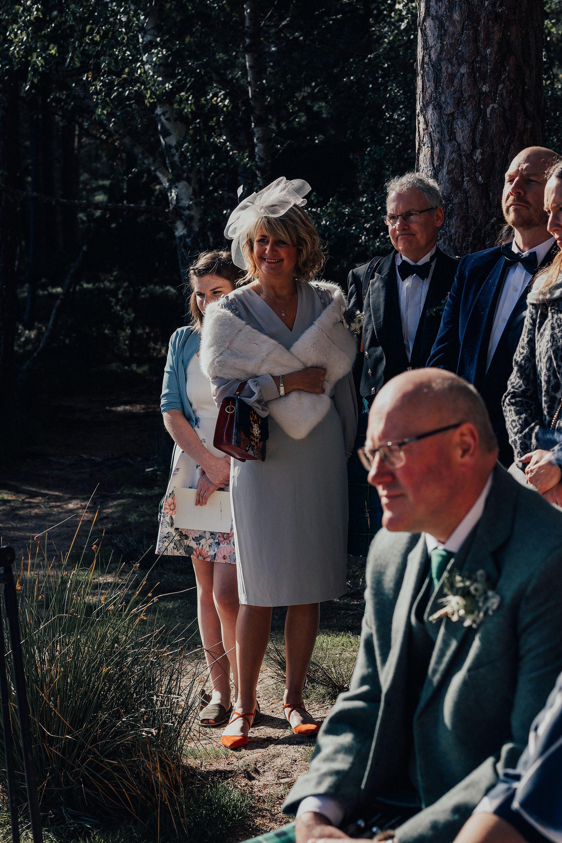 LOCH_GARTEN_DIY_WEDDING_PJ_PHILLIPS_PHOTOGRAPHY_97.jpg
