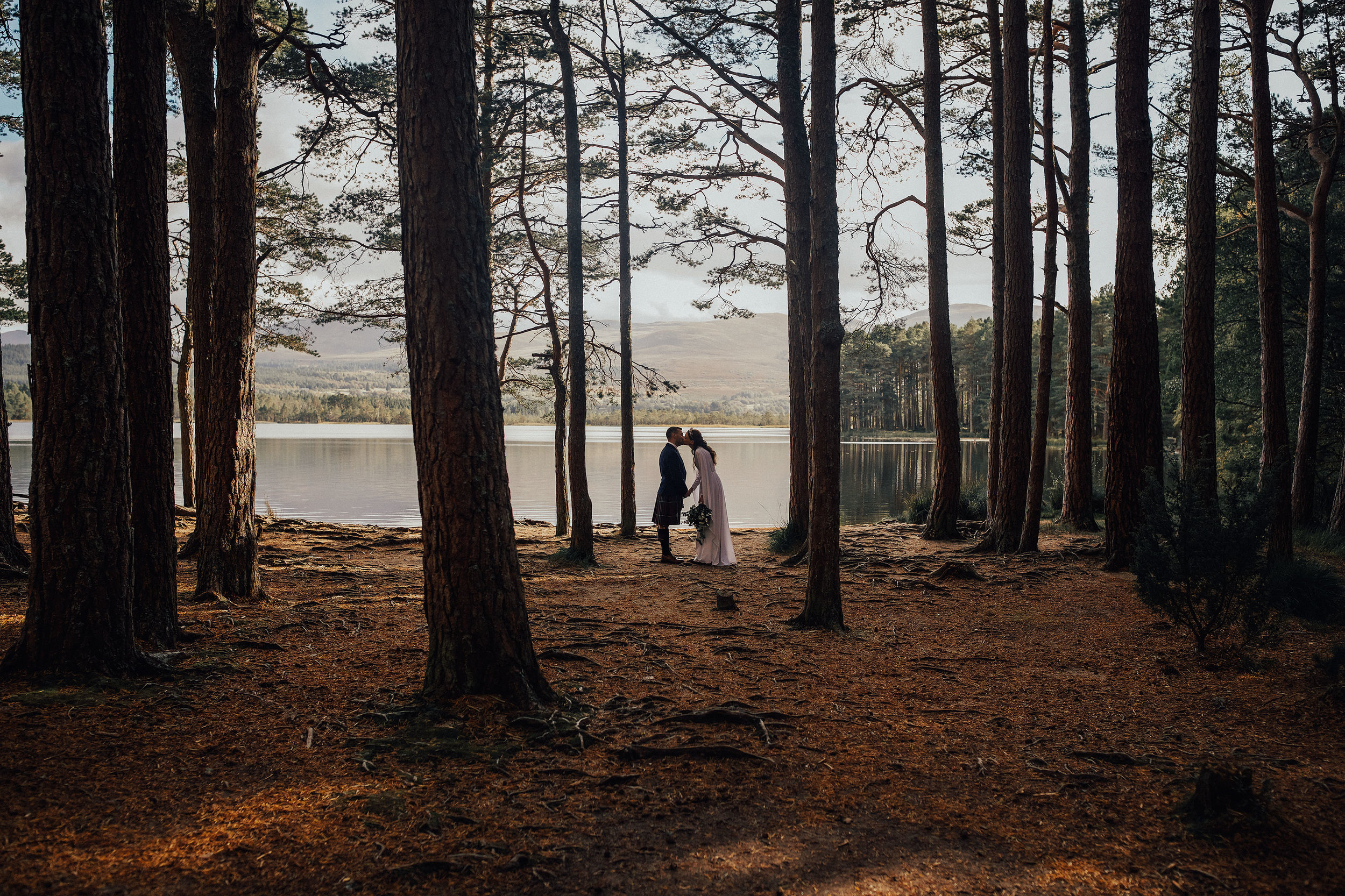 LOCH_GARTEN_DIY_WEDDING_PJ_PHILLIPS_PHOTOGRAPHY_148.jpg