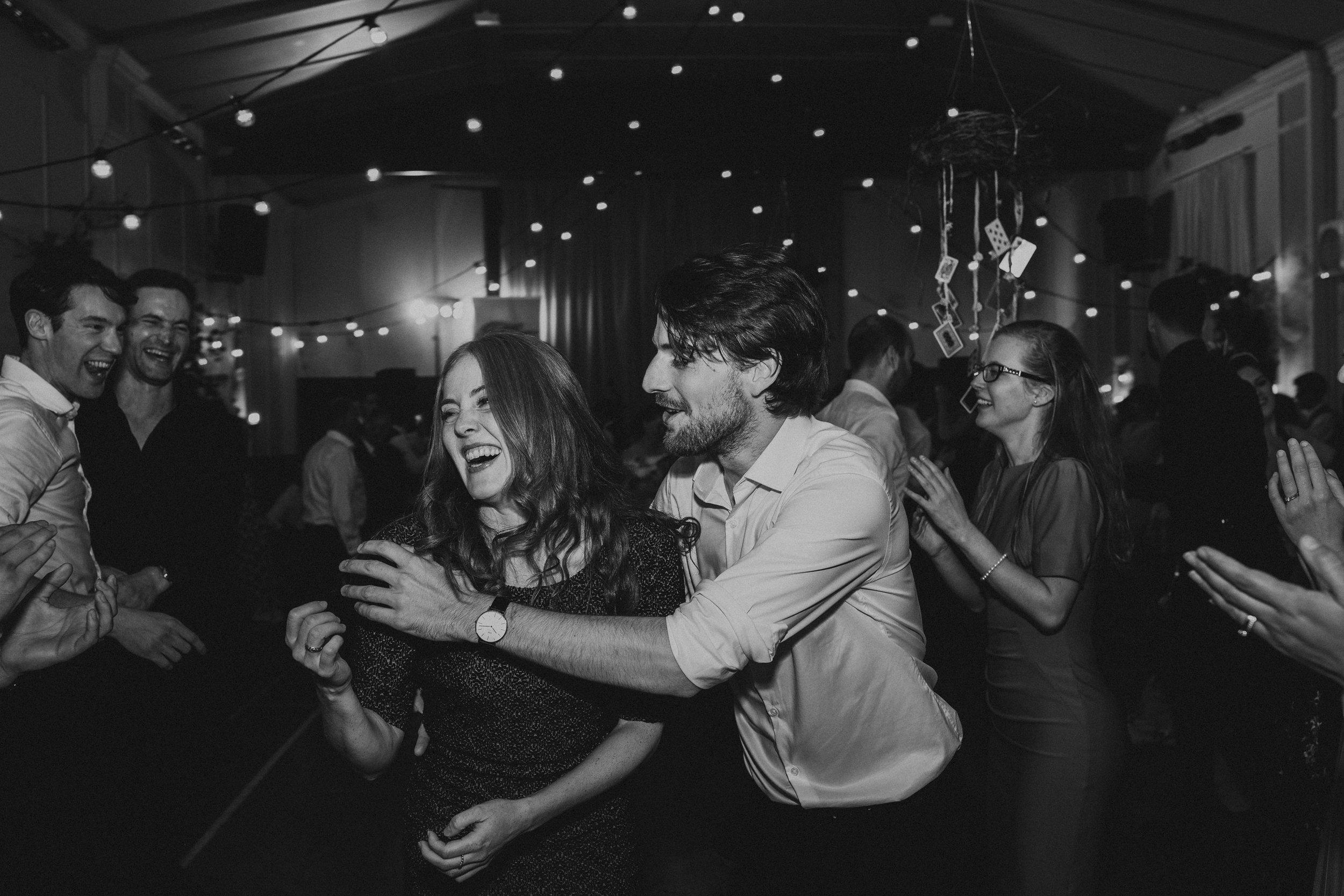 LOCH_GARTEN_DIY_WEDDING_PJ_PHILLIPS_PHOTOGRAPHY_251.jpg