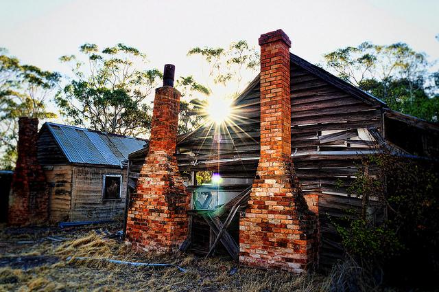 abandoned farmhouse.jpg