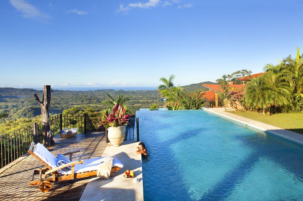 komp-FincaAustria_Villa Mariposa_pool-1.jpg