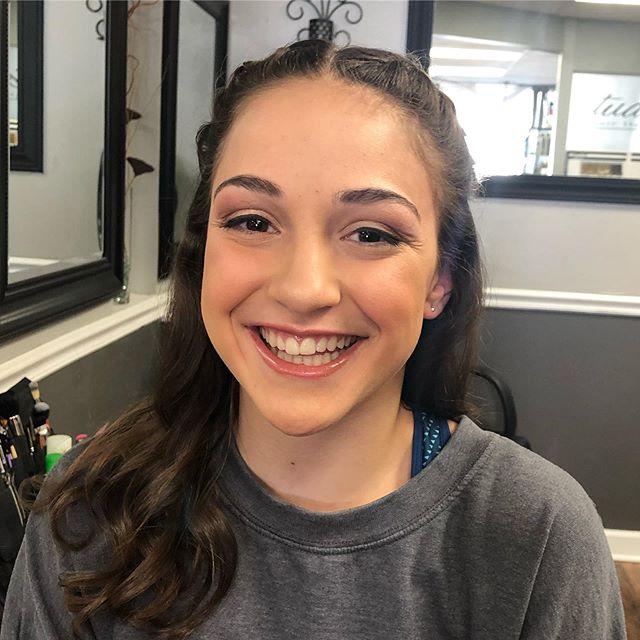 Happiest reaction to a makeup application goes to this girly! Dance formal natural beauty makeup 💖 . . .  #mua #makeupartist #njmua #newjerseymua #newjerseymakeupartist #njmakeupartist #beautymakeup #beauty #makeuplife #makeupjob #teenmakeup #teenbeauty #natural #naturalmakeup #studio43hairdesign