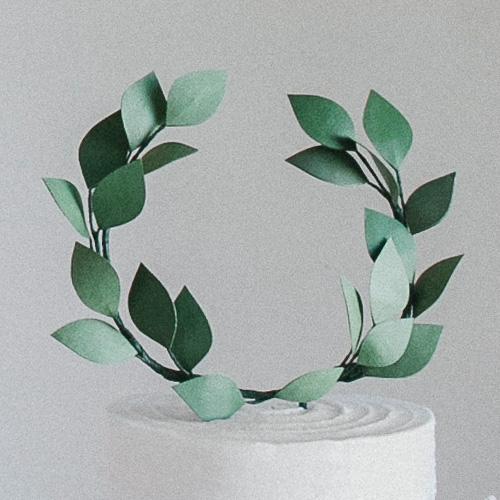 ivy-wreath1-cake-topper.jpg