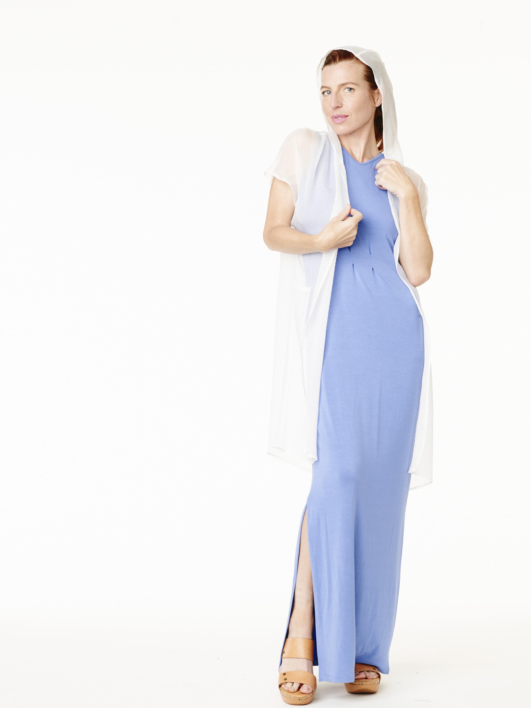 Camilla Olson 2-11-15 07_White_Hoodie_Maxi_0010.jpg