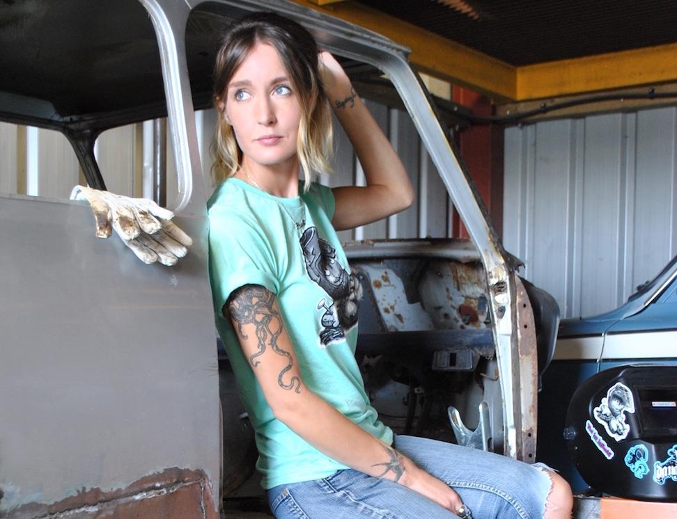 girl-welder.jpg