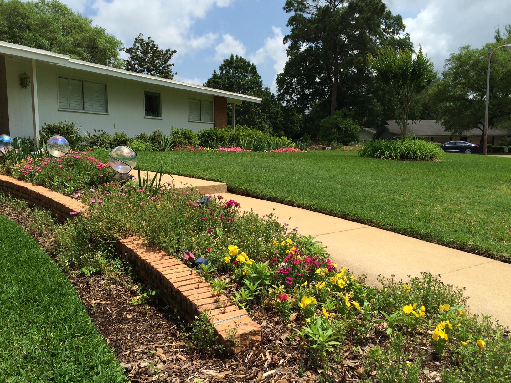 Yard of the Month II April, 2015.JPG