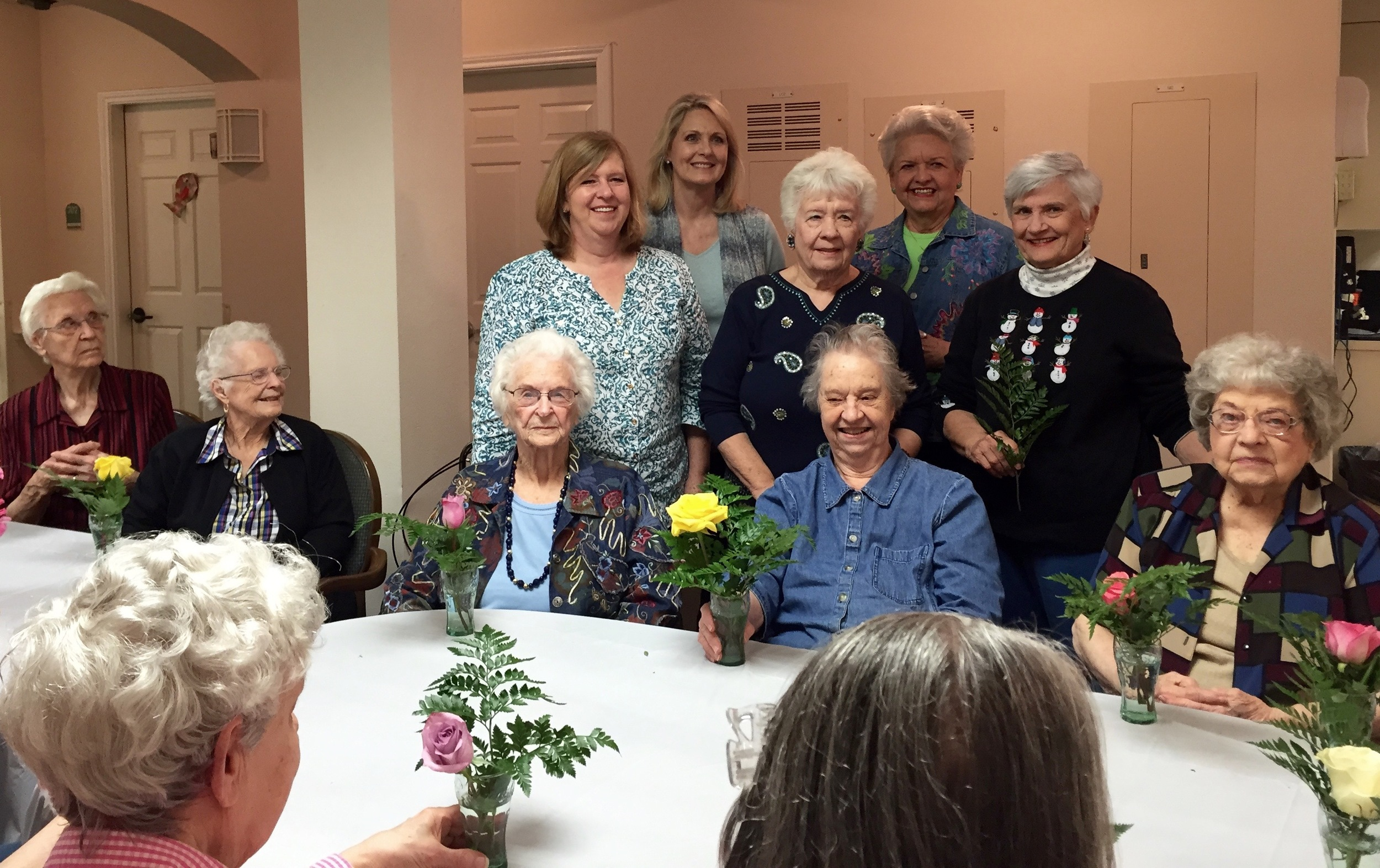 Residents with January Garden Therapy helpers - Donna Cummins, Sandy Batt, Merlene, Ann Watson, Carolyn Sander.