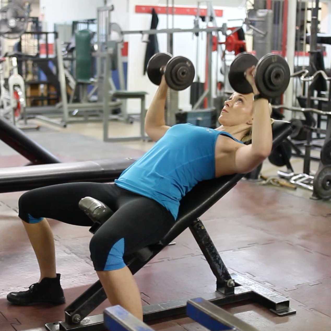 dumbbell incline chest press