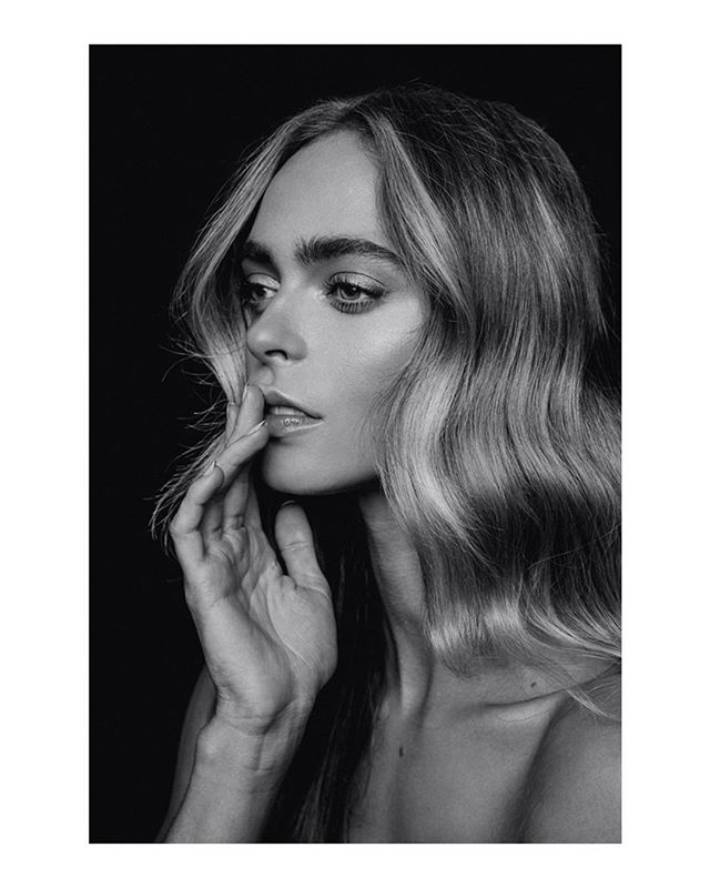 Unravel me.  Photo | @rex.shooter Model | @amyjarstad  MUA | @mua.susie  Hairstylist | @sheardeath  Agency | @hollywoodmodelmanagement  #500px #bleachmyfilm  #studio #studiophotography  #retouchingacademy #profile_vision  #folkportraits #portraitmood  #vscoportrait #AGameofTones  #makeportrait #portraitpage  #artofvisuals  #profoto  #majestic_people  #sharpenmyfilm  #blackandwhitephotography  #PostThePeople  #pursuitofportraits #ftwotw  #modelsearch #ftmedd  #portraitsmag  #discoverportrait  #studiophoto