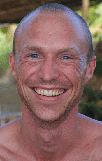 Mikael is a Danish Tantra enthusiast, with experience in several Ashrams and since 2013 he has been going deep into the traditional system at Shri Kali Ashram. He divides his time between teaching back at home and studying at Shri Kali.