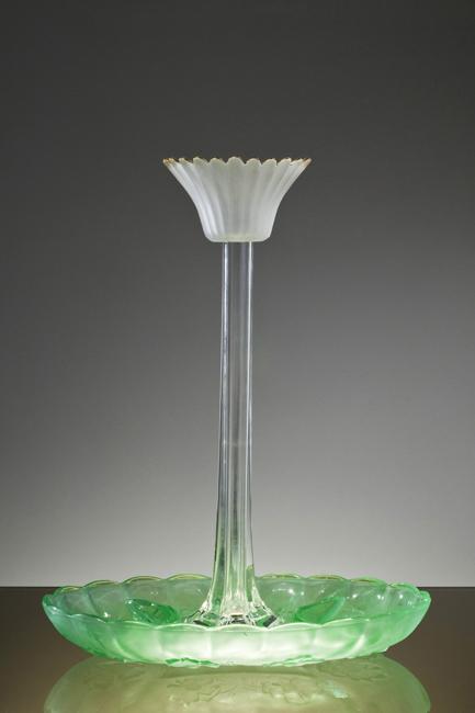 Green _Base_Flute_Vase_650px (1).jpg