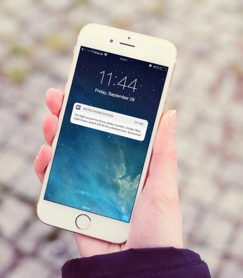 one-hand-iphone-6-mockup.jpg