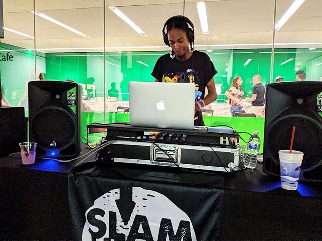 I love when @djhoodbunnny  DJs for @stlartmuseum so on brand. So classic! Love my best friend 🖤🔊#slamunderground