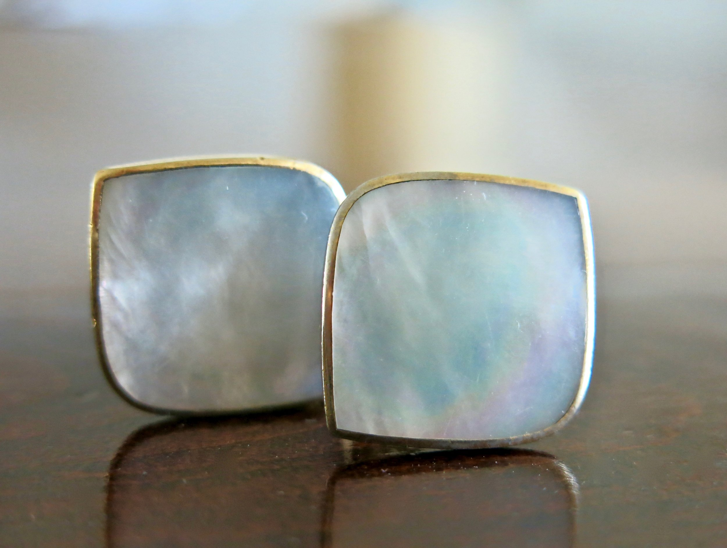 I think these are Mother of Pearl.