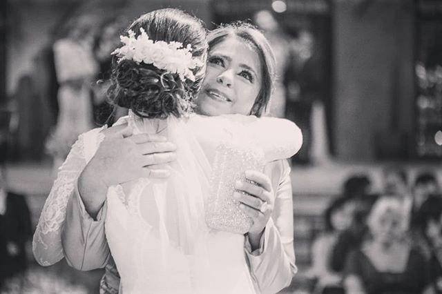 Hoje é um dia muito especial, porque é o dia da minha sogra, na verdade segunda mãe! Susan,  parabéns pelo seu dia e novo ano, desejo que seja muito próspero, cheio de amor e com momentos inesquecíveis! Obrigada por ser tão especial, amiga e carinhosa desde o começo. Feliz por fazer parte de uma família tão especial e por tudo que ainda temos para viver juntos ❤❤😘 #happybirthday #love #family