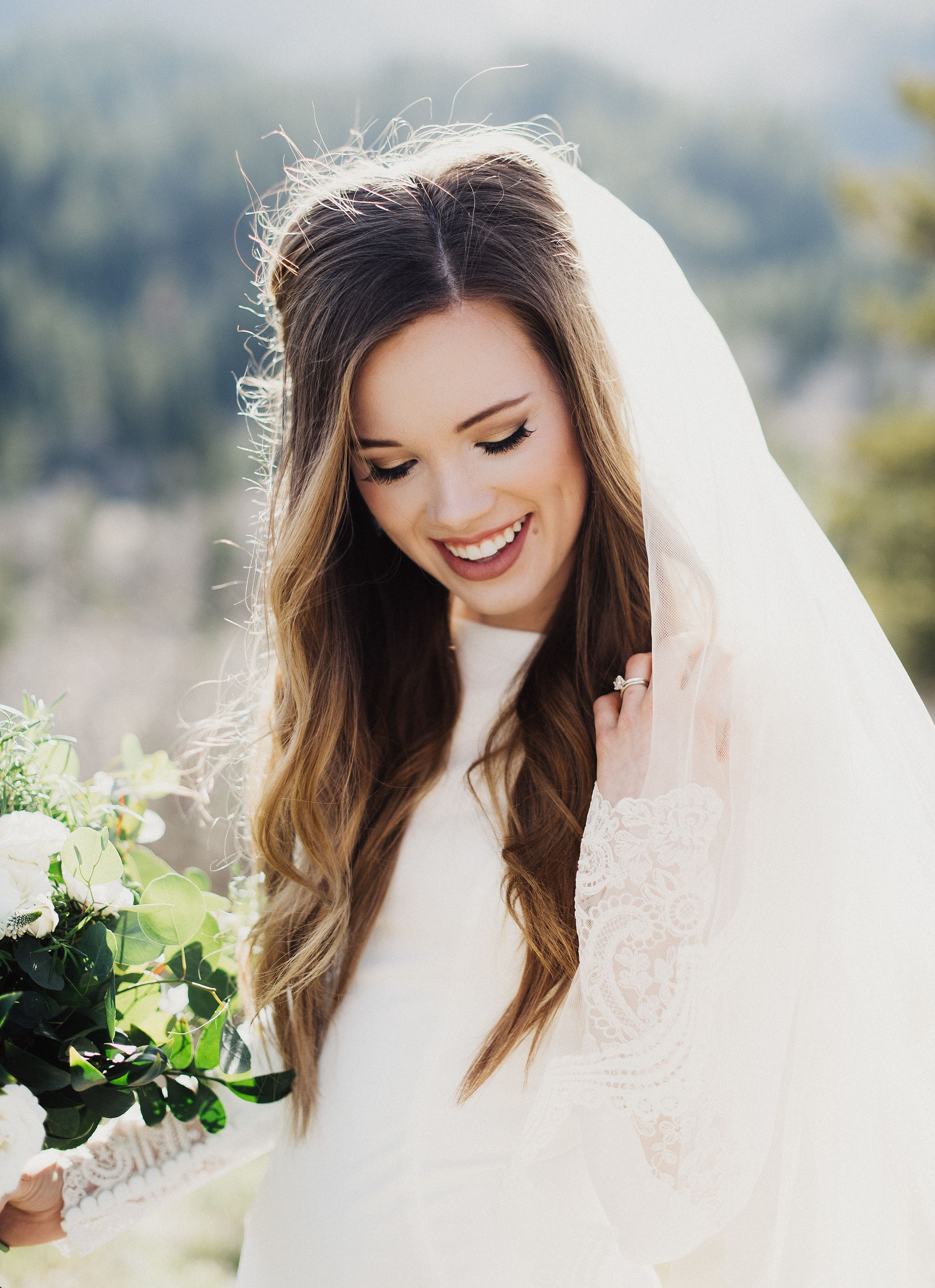 Modern Bridals in the Canyon