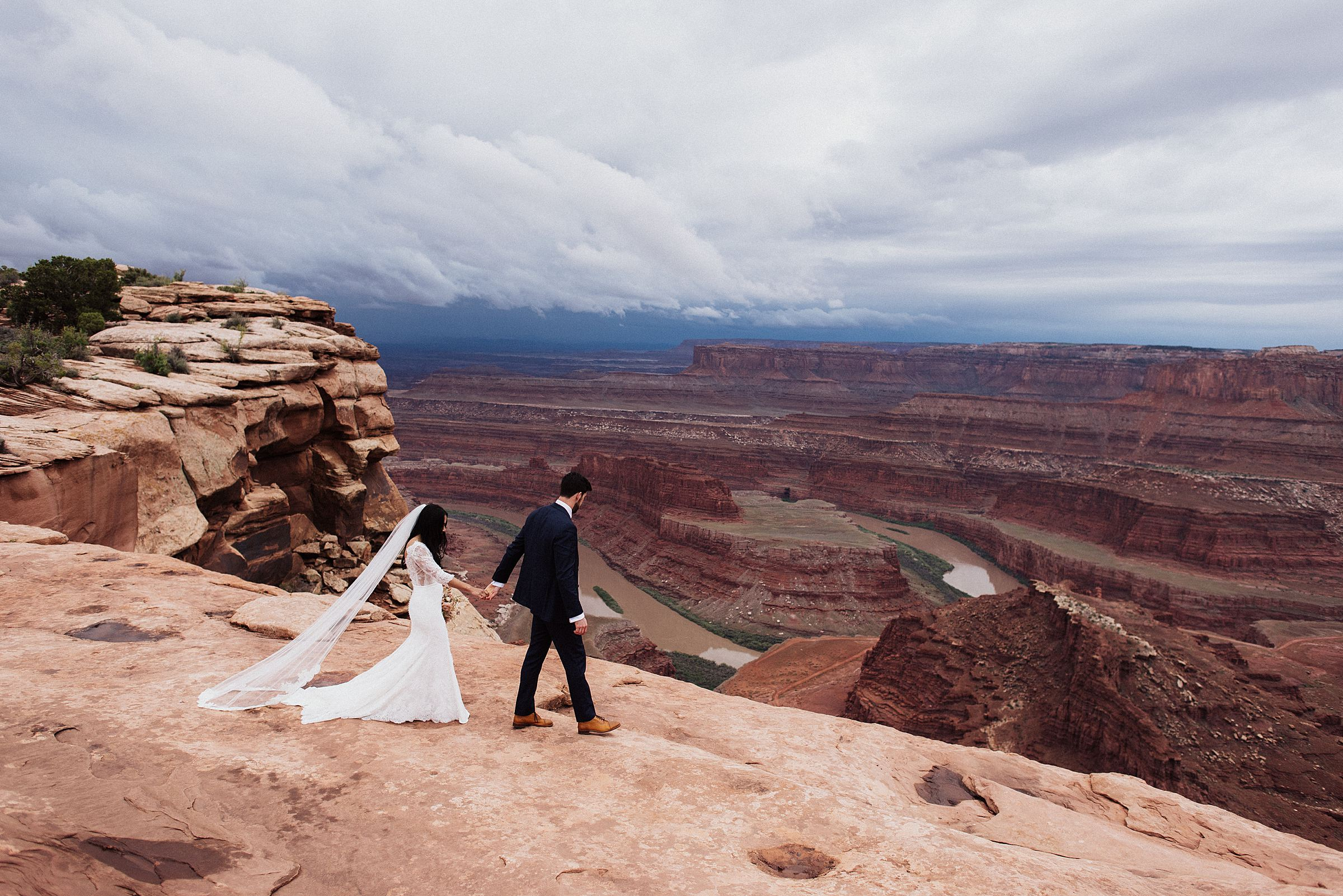 bride and groom at dead horse point