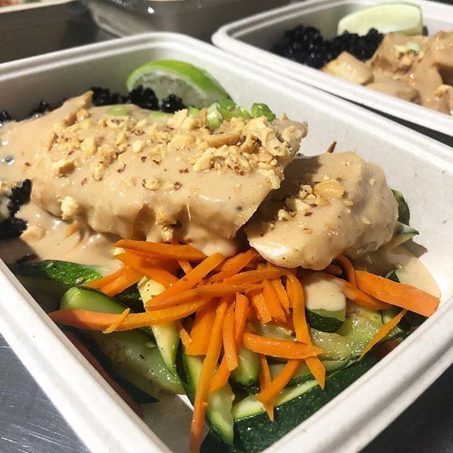 Peanut Chicken with Black Rice Pilaf, Carrots and Zucchini #miami #miamibeach #innerfueled #innerfuelyourself #cleaneats #fit #fresh #delivery #coconutgrove #brickell #wynwood #coralgables #yumyumyum #fitlifestyle #lifestyle #miamifoodporn #miamifoodie #madefromscratch #healthy #chef #organic #paleo #glutenfree #fortlauderdale #foodporn #plantbased #southbeach #northbeach #designdistrict