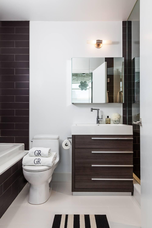 Loft002 Bathroom_1.jpg