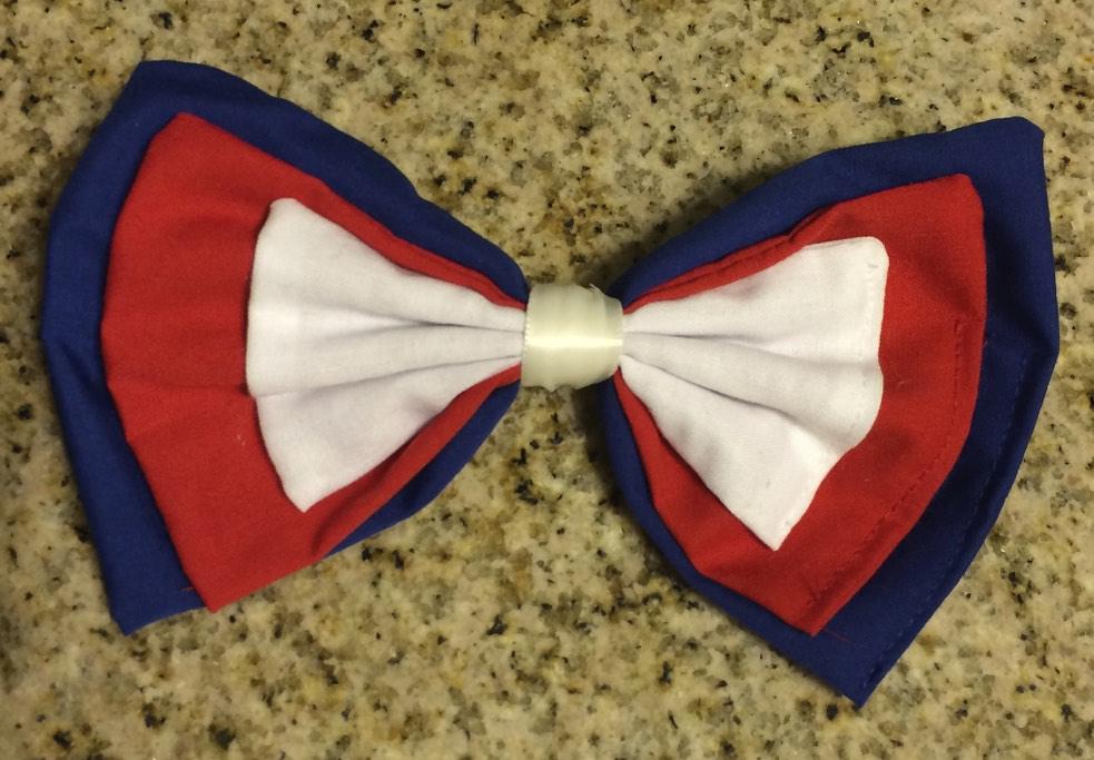 A patriotic bow