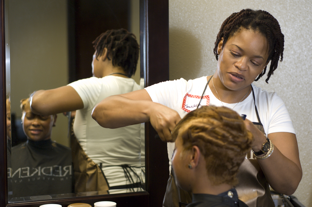 sondreas signature styles salon and spa-black-ethnic-african american-women-el paso-texas-sondrea lynch.png