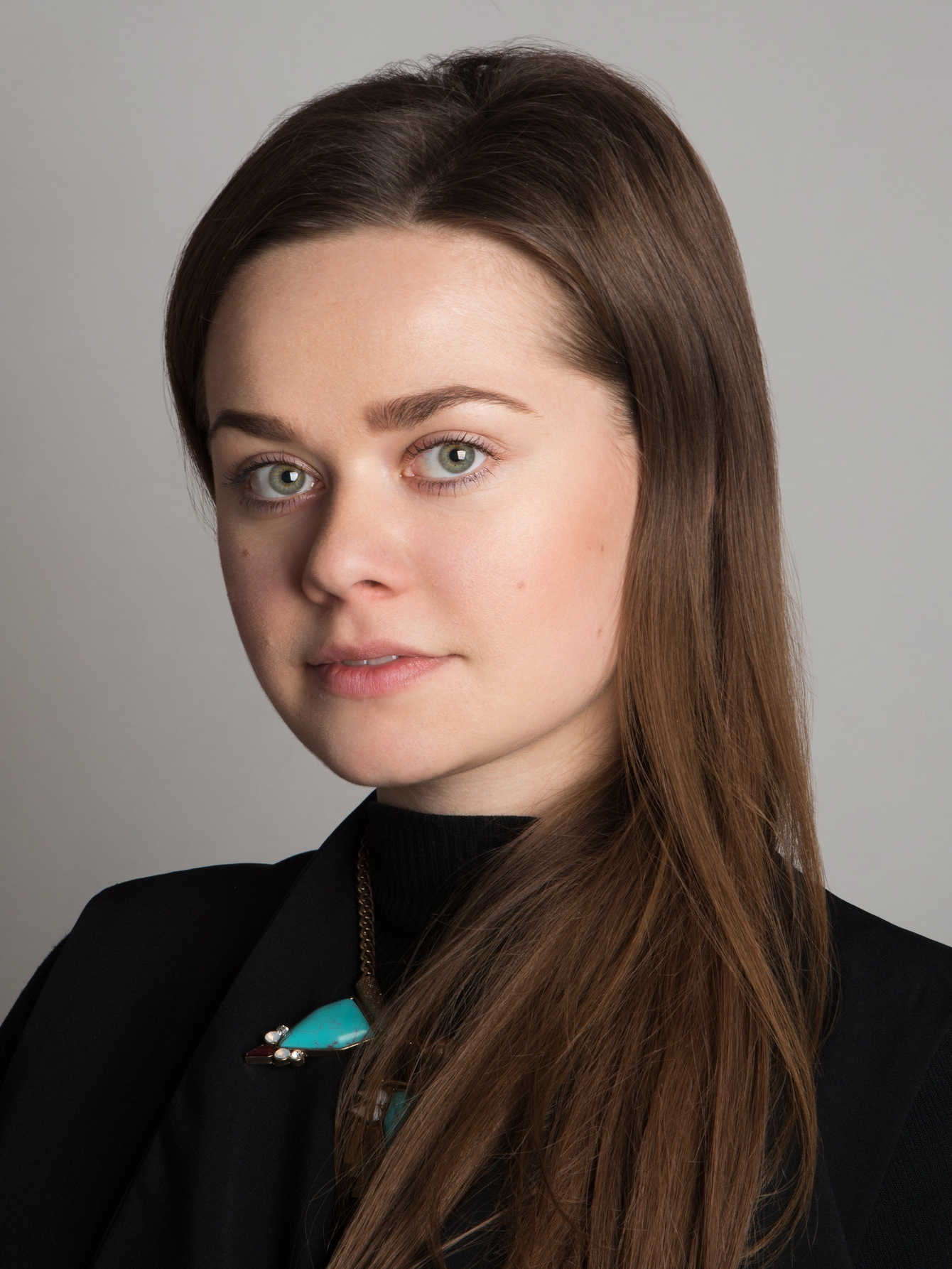 alena-bankovska-ray-makeup-artist-educator.jpg
