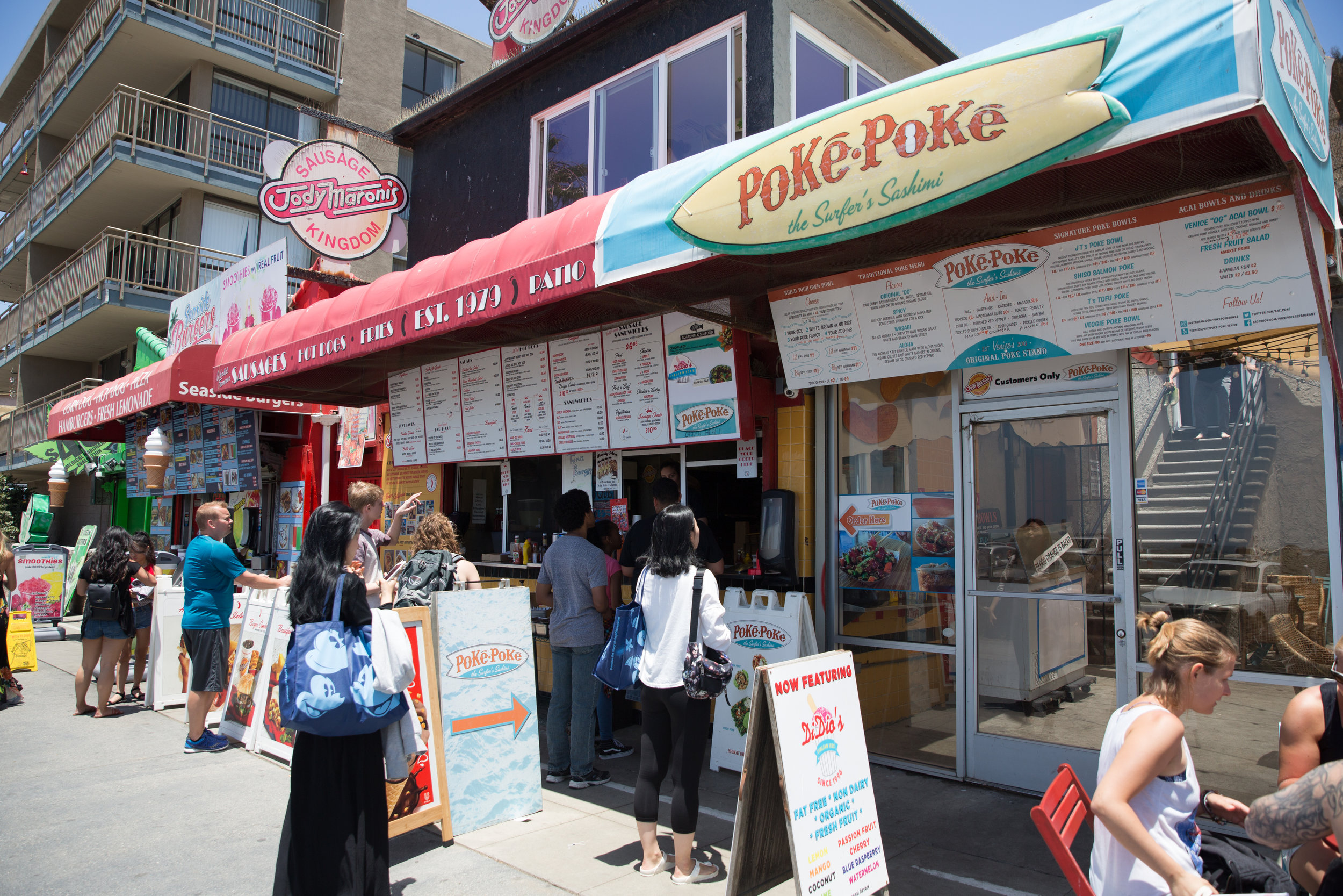 Poke-Poke is conveniently located directly on the Venice Boardwalk.