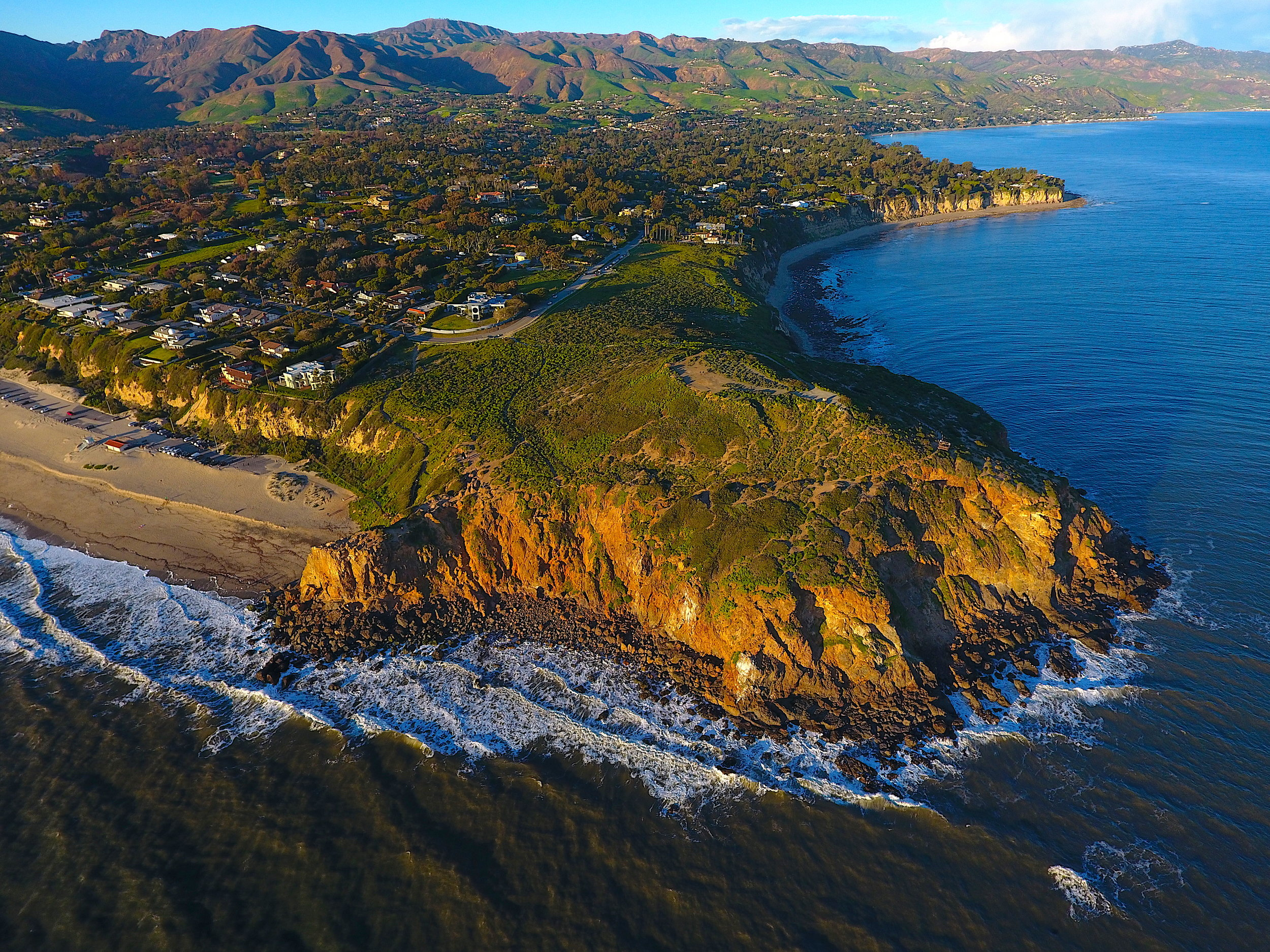 During World War II, the U.S. Army used the tip of Point Dume, known as the headlands, as an anti-aircraft artillery training area.