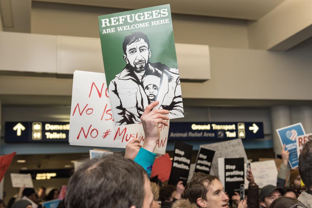 refugeeswelcomeprotest0202.jpg