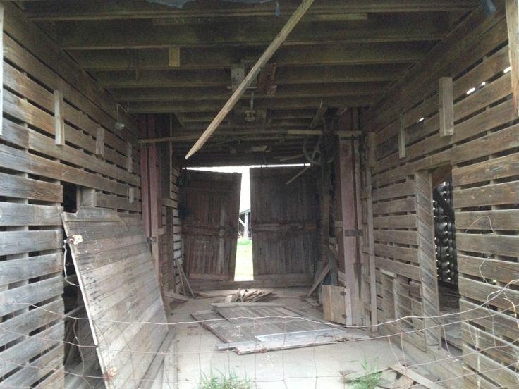 Klinker corn crib inside.jpg