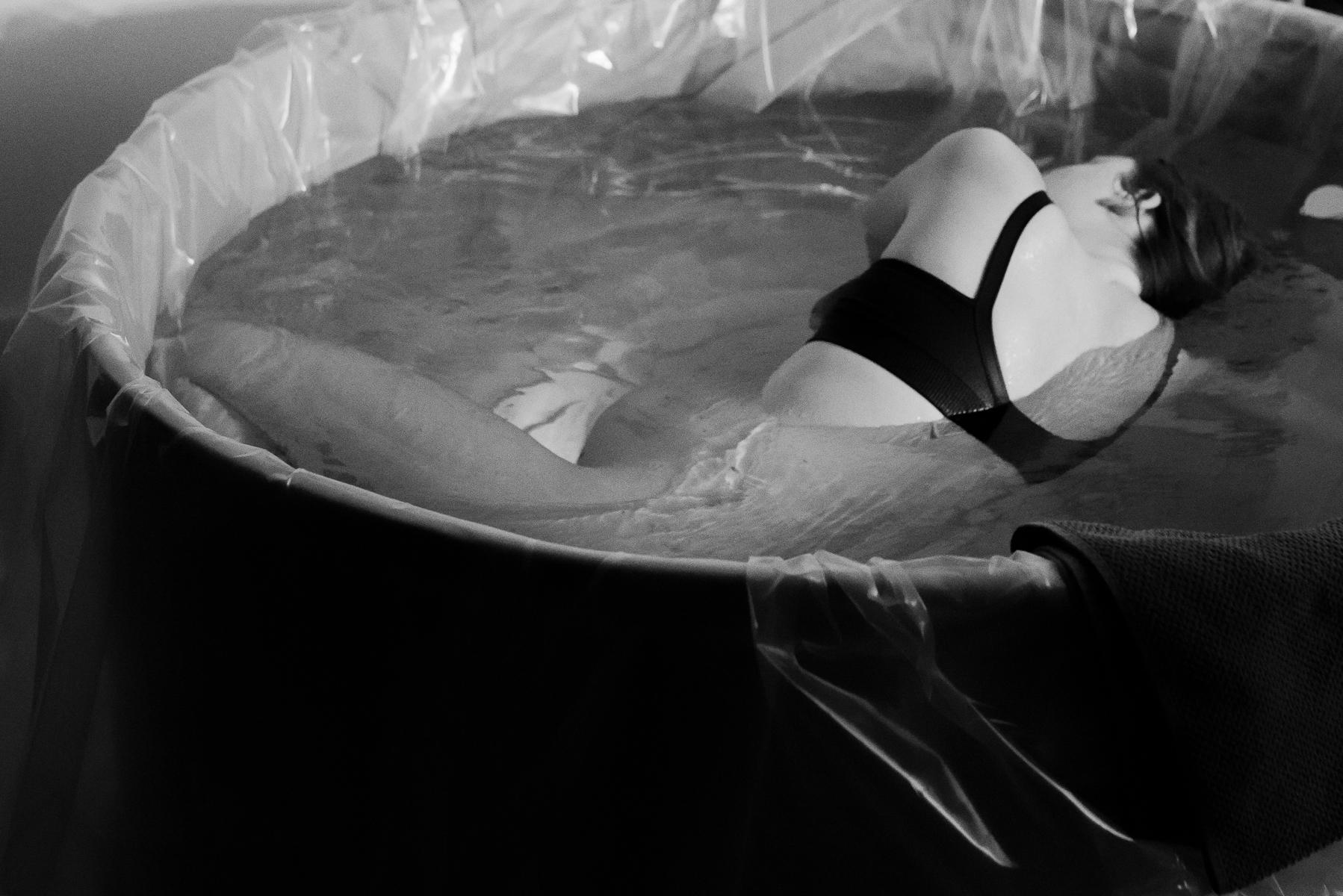 Denver-Birth-Photographer-Water-Birth