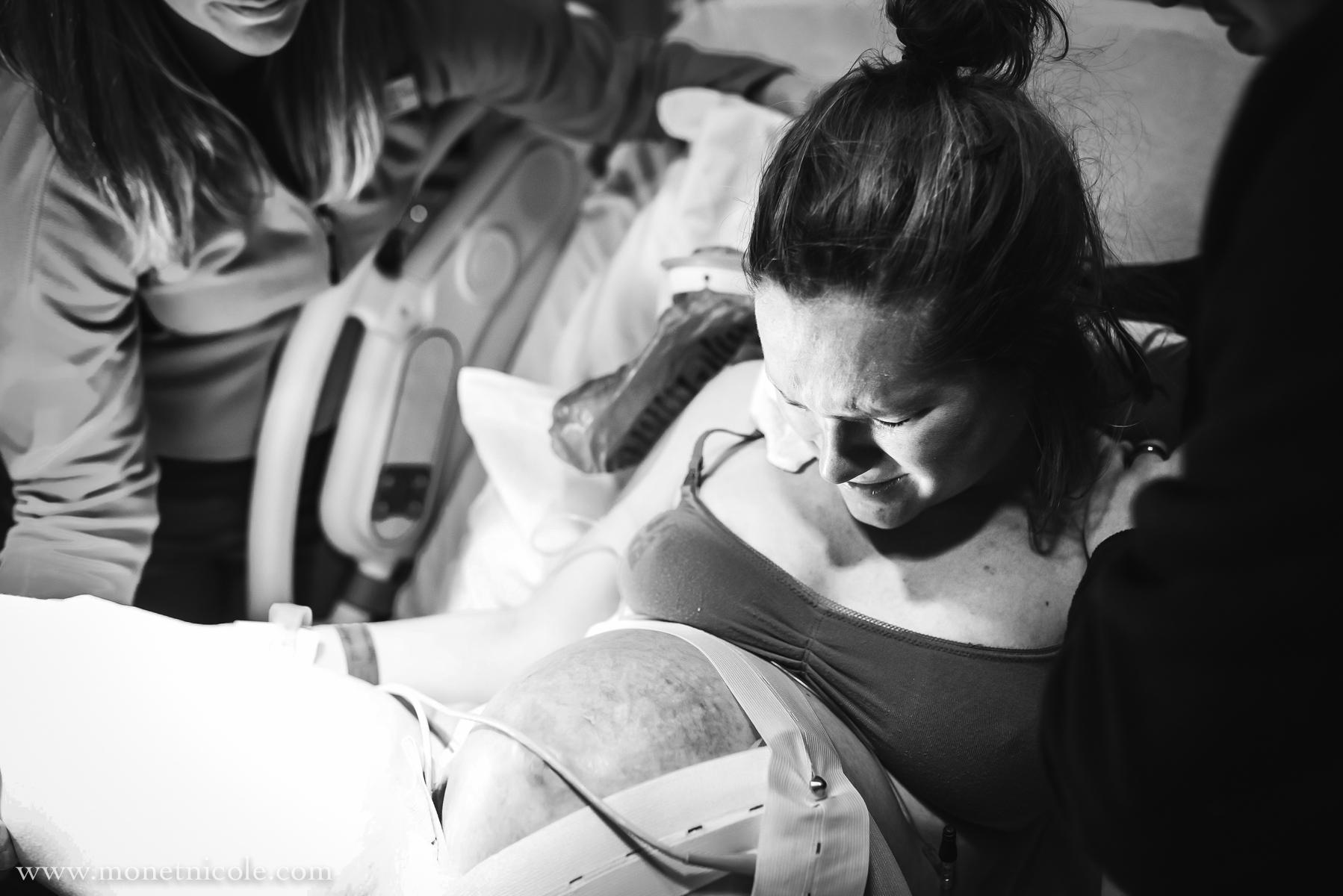 Denver-birth-photography-hypnobirthing-pushing