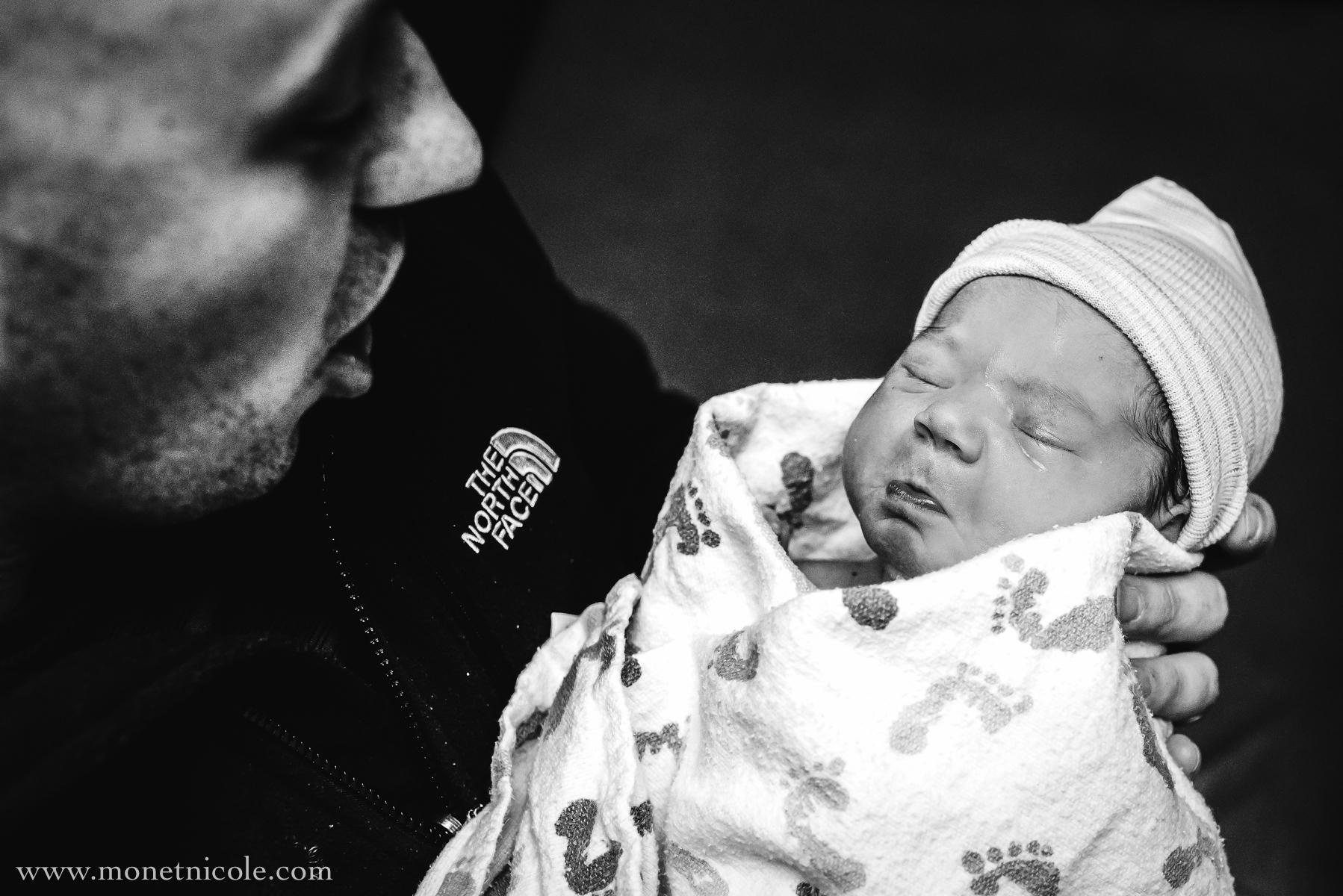 Denver-birth-photographer-hospital-newborn-dad