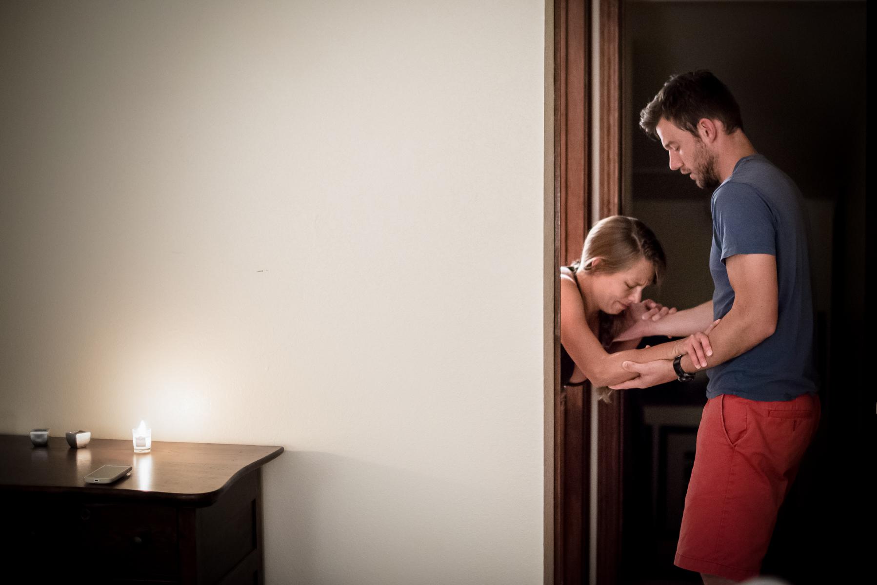 Colorado-springs-birth-photographer-home-birth-labor-support