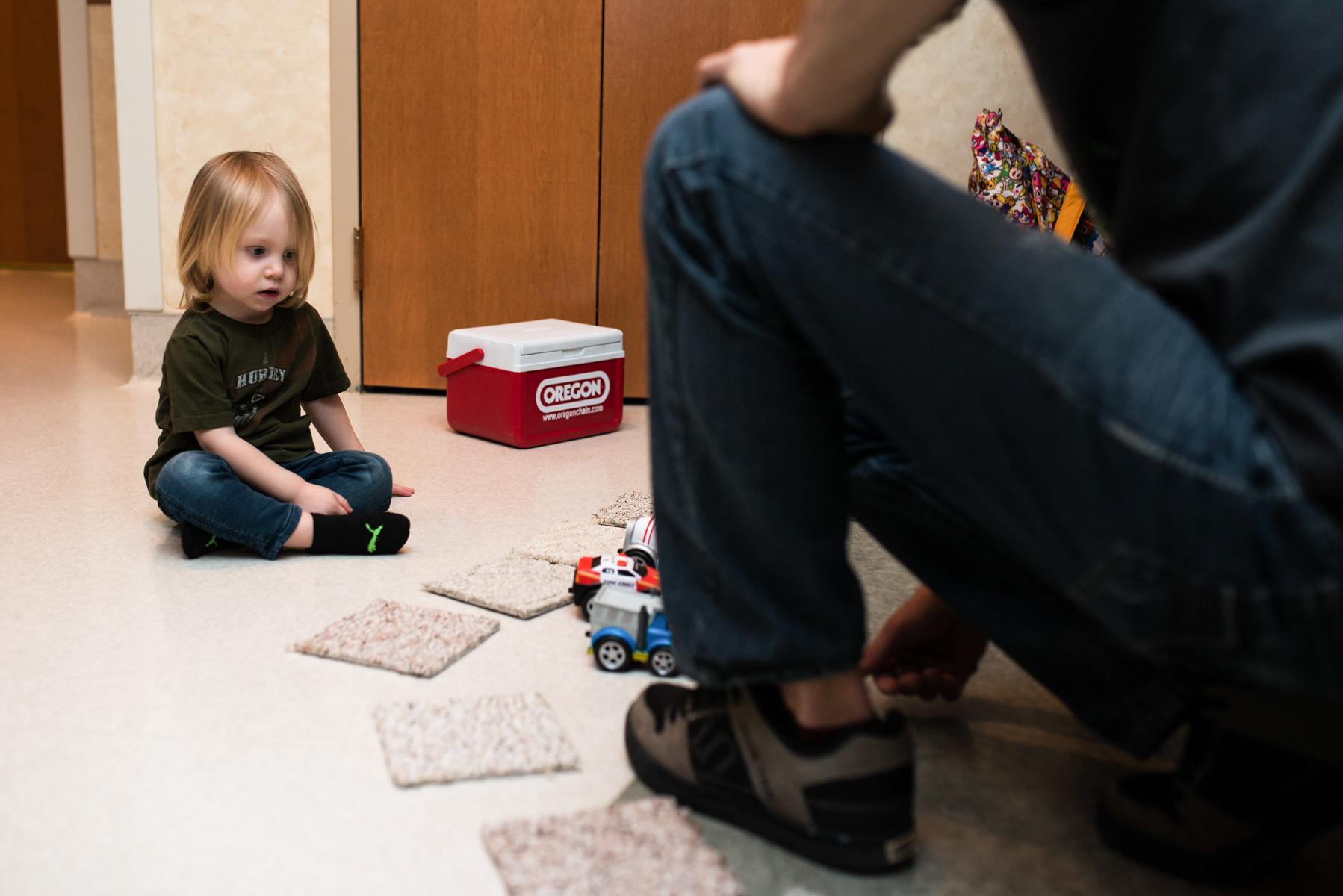 denver-birth-photographer-older-brother-waits