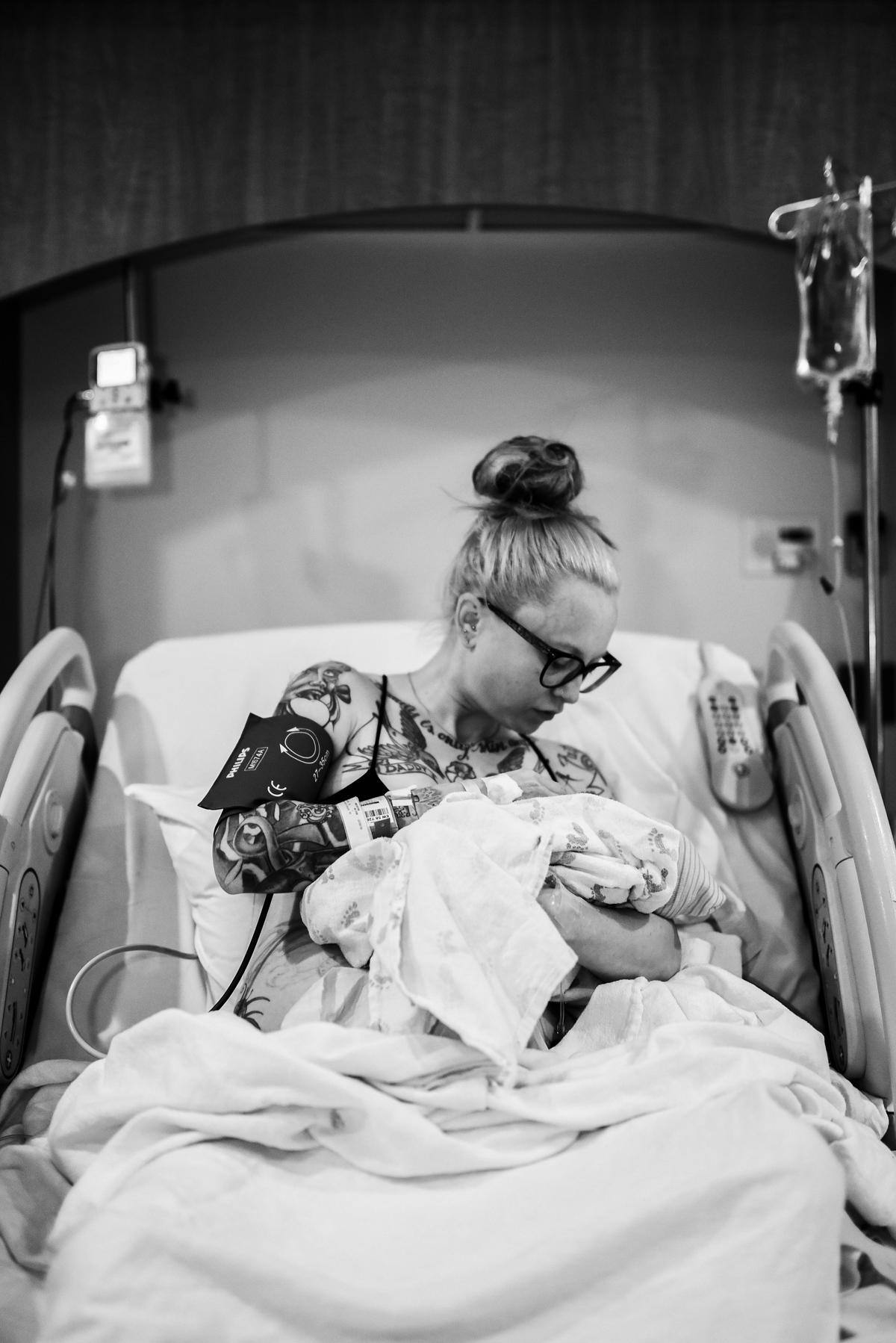 denver-birth-photographer-breastfeeding-rose