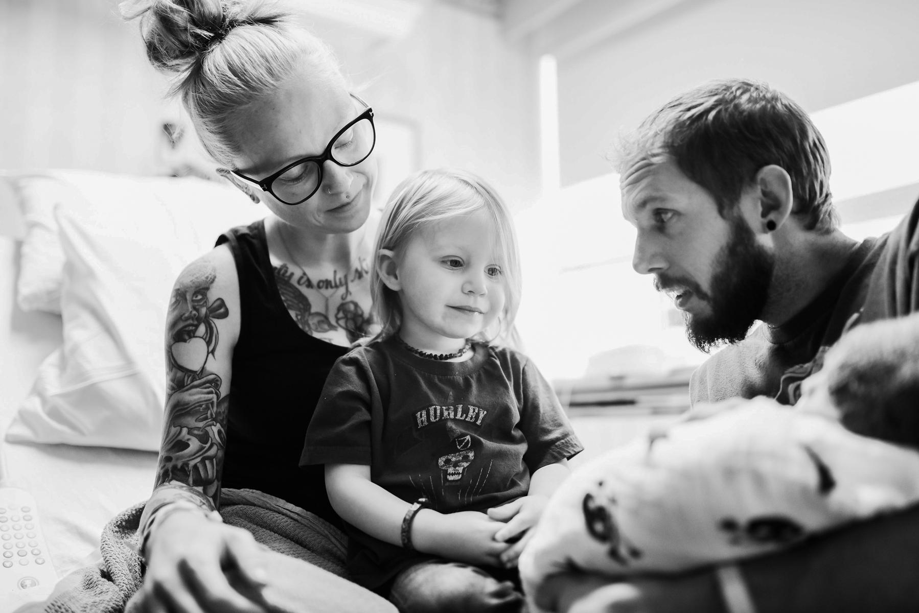 denver-birth-photographer-older-sibling-rose-birth